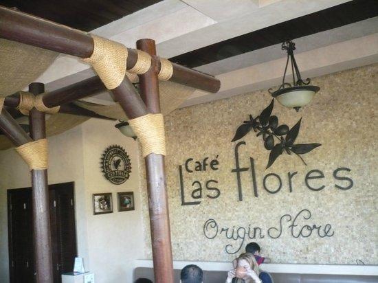 Café las Flores Cobirsa: Cafe las flores inside