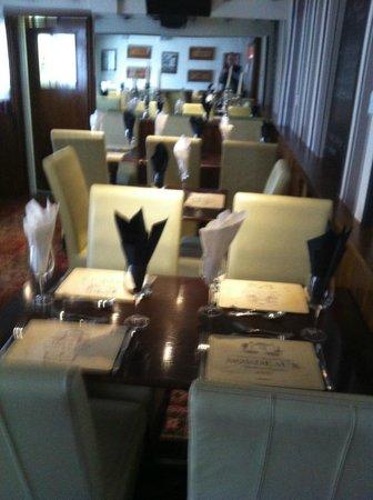 Halfway House Restaurant: restaurant