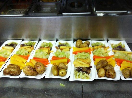 Halfway House Restaurant: individual veg portions