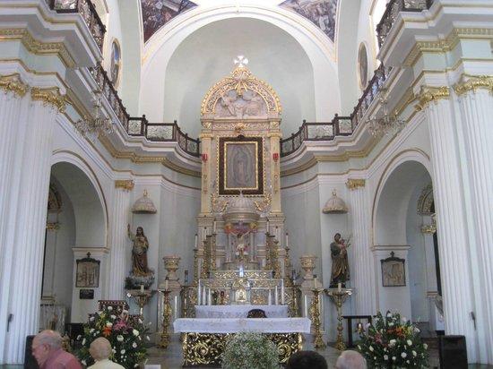 La Iglesia de Nuestra Senora de Guadalupe: Altar of the church