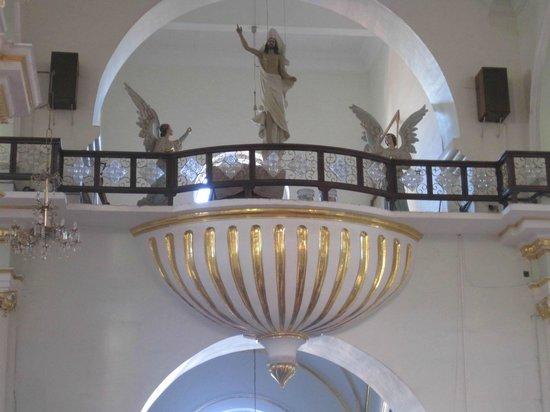 La Iglesia de Nuestra Senora de Guadalupe: view at the top of the altar