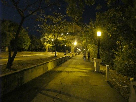 Patty's Casitas: Amador causeway walkway