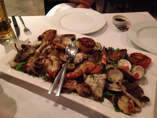 Sassorosso: Grilled seafood platters