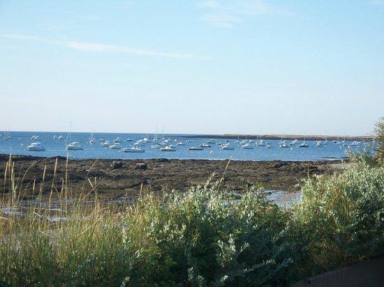 Hotel Le Mur du Roy : vue de l'hôtel à marée basse