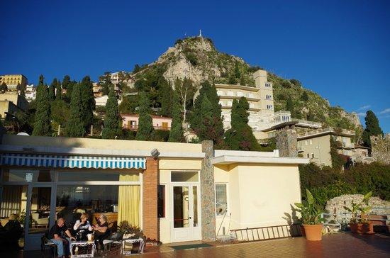 Hotel Continental: Bild von der Terasse nach Norden