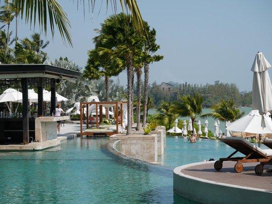 Pullman Phuket Panwa Beach Resort : Pool view