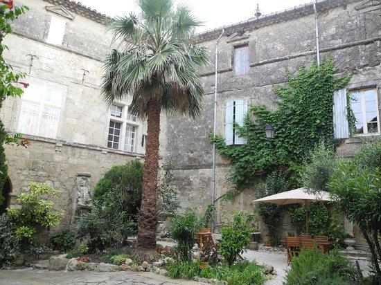 Chateau de Murviel : Vu sur la cours interieur