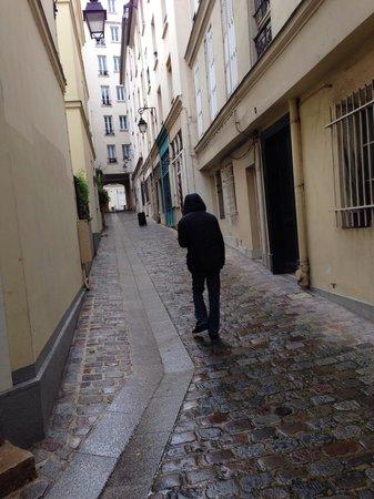 La Cour du 5eme: Pedestrian street