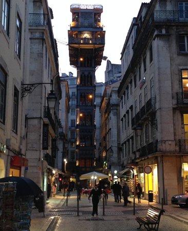 """Hotel Santa Justa: """"Elevador"""" a minute away"""