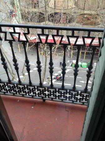 """Hotel Urquinaona : nice """"balcony"""""""