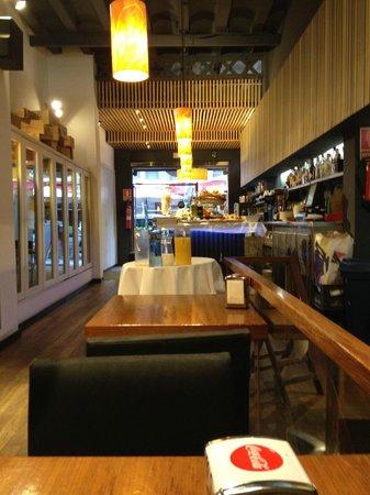 Hotel Urquinaona : bistro lounge where you get breakfast