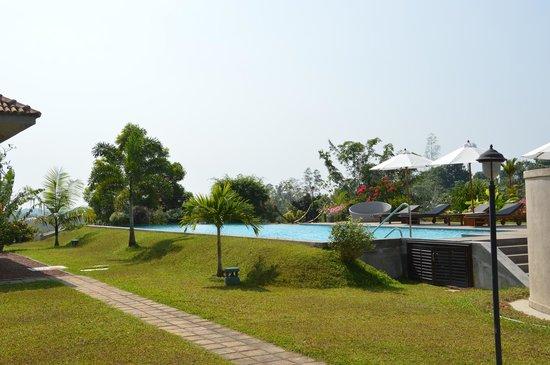 Villa Mayurana: Blick auf den Pool