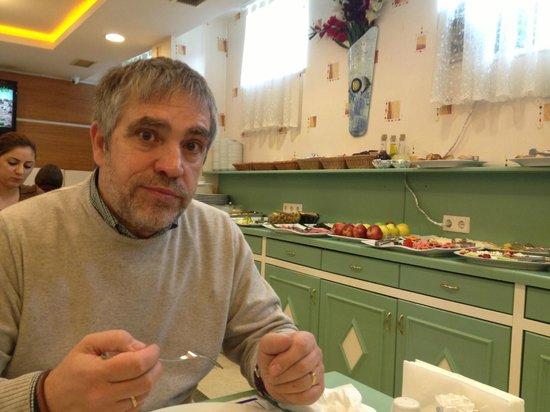 Sarnic Premier Hotel: El desayuno