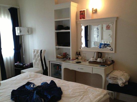 Sarnic Premier Hotel: Aspecto de la  habitacion, luminosa y aseada