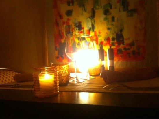 La vie est belle : table au calme, cosy et tranquille