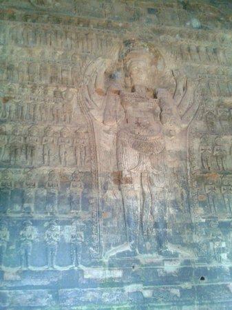 Prasat Kravan : Vishnou aux huit bras