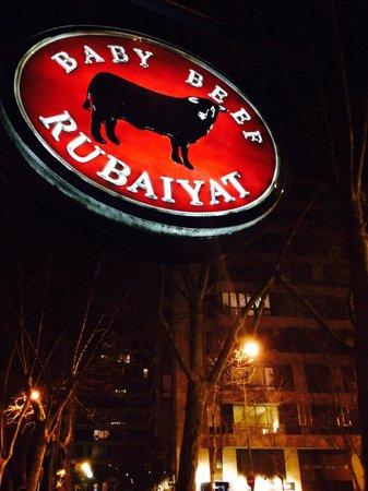 Rubaiyat Madrid: Cartel de la entrada de Baby Beef Rubaiyat