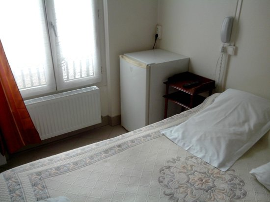 Hotel Bearnais: BED ROOM DOUBLE BED