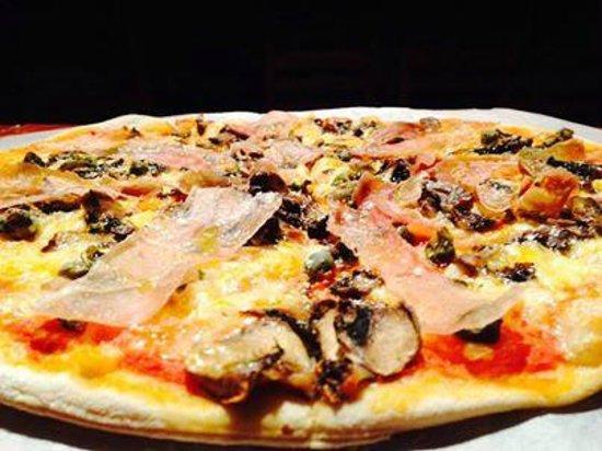 Trattoria y Pizzeria Ciao Italia: Nuestra pizza tal y como en italia.
