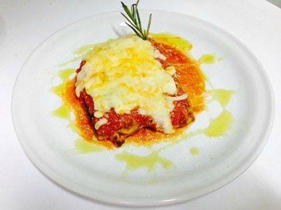 Trattoria y Pizzeria Ciao Italia: Lasagna.
