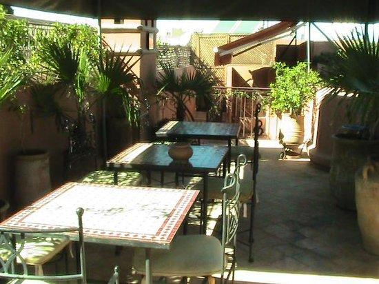 Riad Amira Victoria: Rooftop breakfast venue