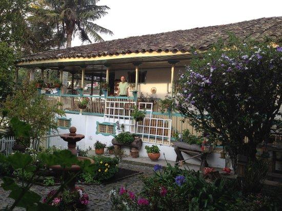 La Posada del Cafe: Patio at the Posada