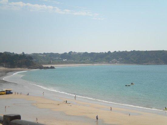 St. Brelades Bay Hotel: view of the beach
