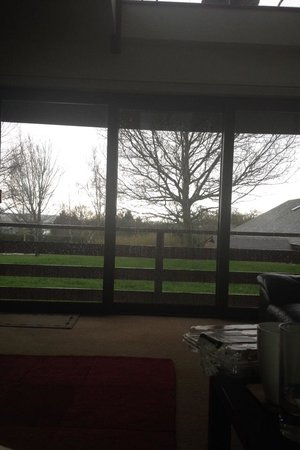 Beaconsfield Holiday Park: Wrekin view from living room