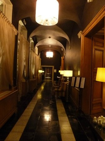 Hotel Dukes' Palace Bruges: Accés restaurant