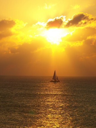 Grand Cayman Marriott Beach Resort: sunset from balcony