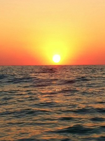 Julio's Tour & Fishing Guide Services: Amazing sunset out on the water!