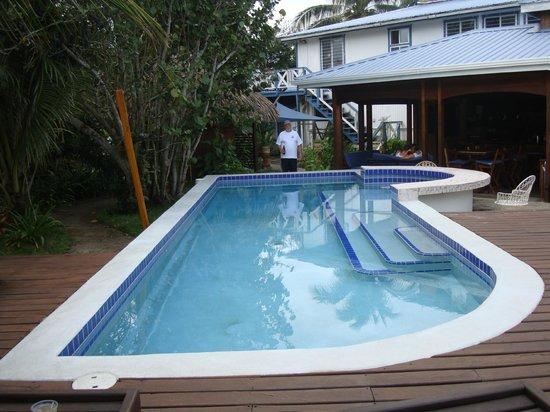 Maya Beach Hotel: Pool