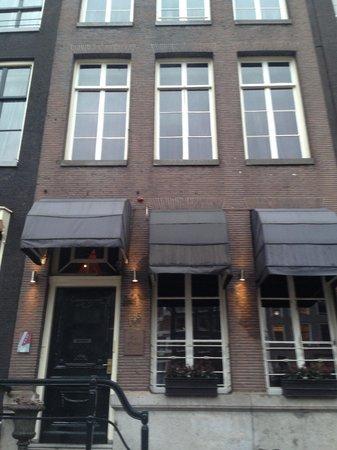 The Toren: Street view ( dependance )