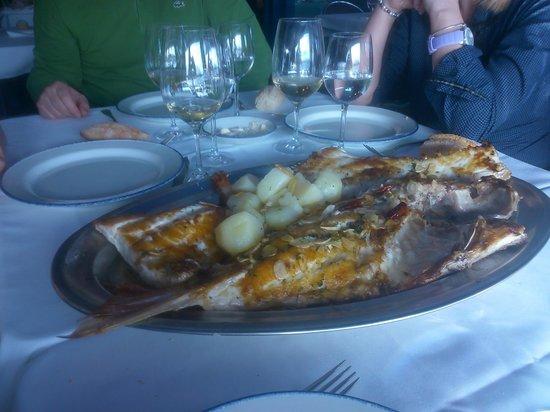 Asador El Puerto: Urta ya cocinada, uhmmmmm