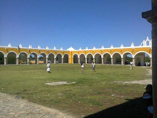 Izamal  Ruins : Monasterio Izamal