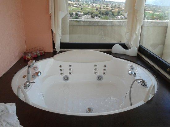 San Tommaso: vasca idromassaggio