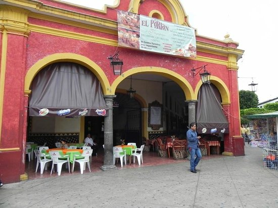 El Parian: One of many entrances