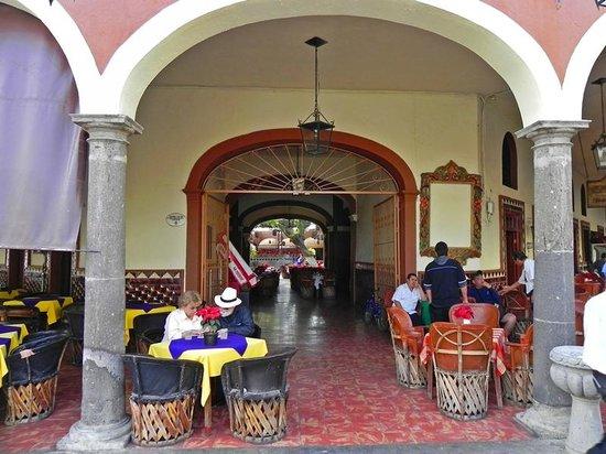El Parian: Another entrance