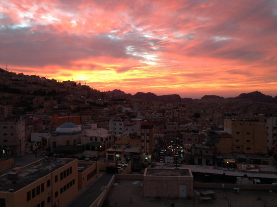 Petra Gate Hotel: Amazing sunset view from the rooftop
