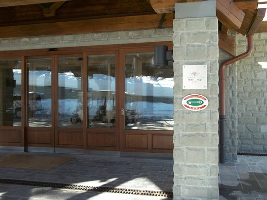 Val di Luce Spa Resort: entrance