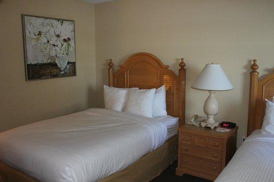 Inn On The Lakes: Room 130