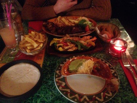 Loco Mexicano: Chicken fajita and chicken and ribs!