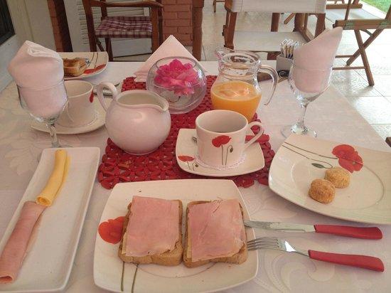 Red Wind B&B: Café da manhã delicioso!