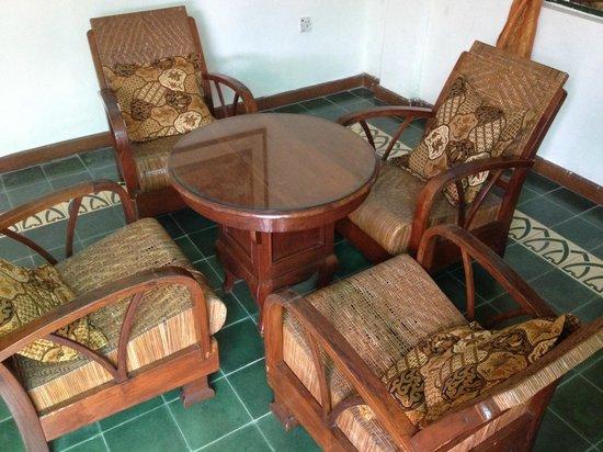 nDalem Gamelan Hotel : sitting area