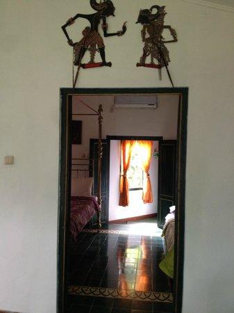 nDalem Gamelan Hotel: Family room