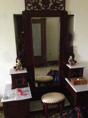 nDalem Gamelan Hotel: room