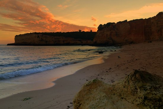 Be Smart Terrace Algarve: The beautiful sunset over Senhora Da Rocha Beach