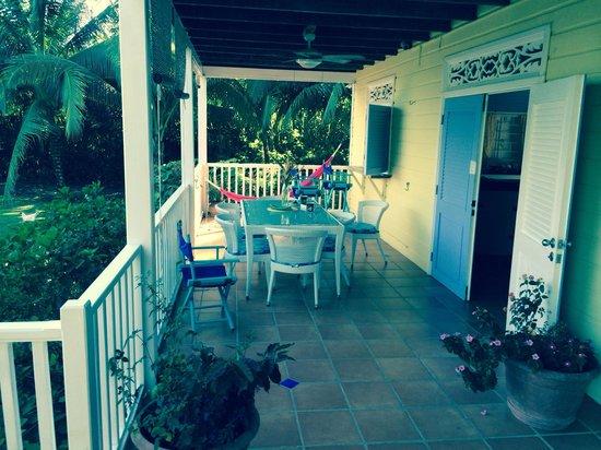 Sand Dollar Beach Bed & Breakfast: Breakfast balcony