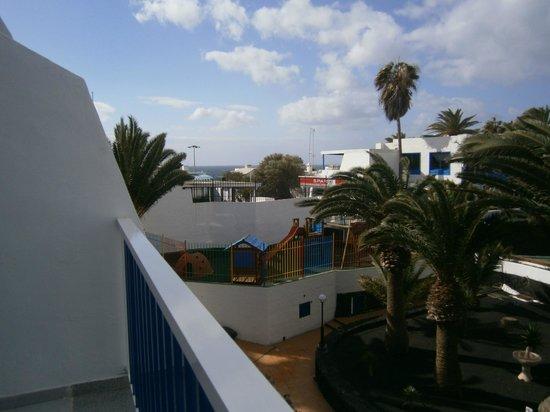 Ereza Apartamentos Los Hibiscos: View from room in block A