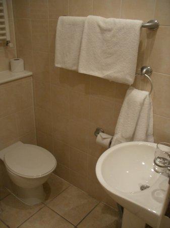St. Georgio Hotel : Ванная комната